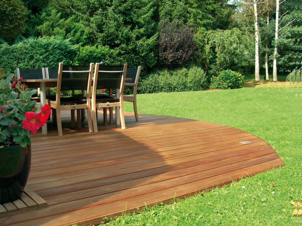 Decking guide inspiration ideas for your garden decking for Garden decking inspiration