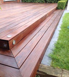 hardwood saturating D1 Decks Olje wood oil used on decking steps