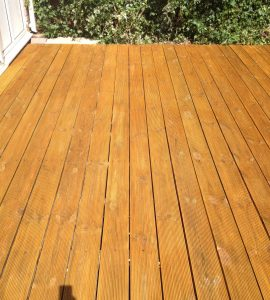Reeded decking finished with Aquadecks