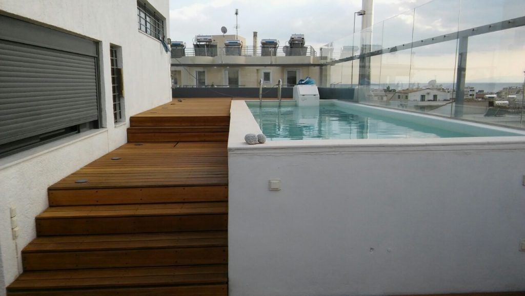 Finished restoration of decking using Aquadecks