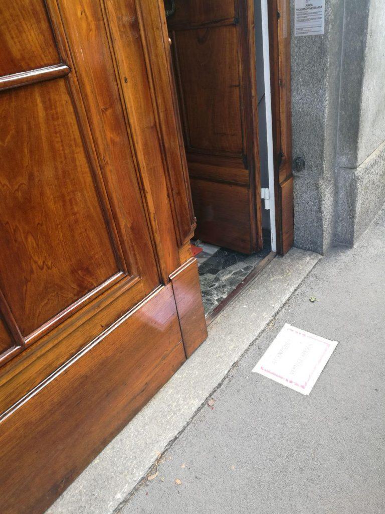 Deks Olje D1 and D2 applied to large Italian doors