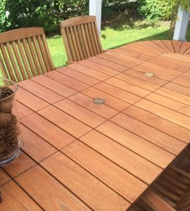 Garden table and chairs restored with Teak Olje