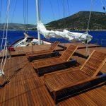 boat deck finished with Deks Olje D1 - ©Enisu